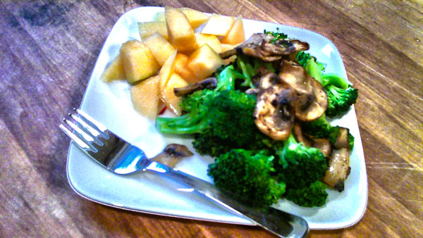 Broccoli with Mushrooms and Cantaloupe