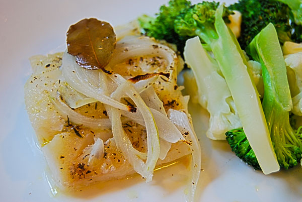 Herbed Cod with Broccoli and Cauliflower