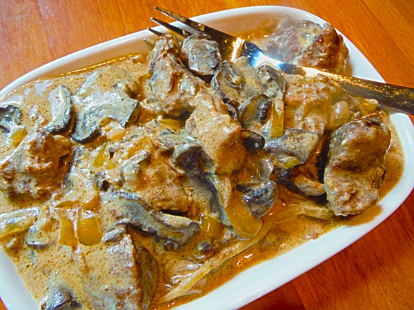 Crockpot / Slow Cooker Beef Stroganoff
